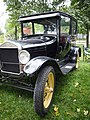 Greenfield Village Old Car Show (9710518980).jpg
