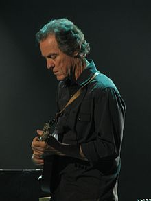 Greg Leisz playing mandolin 02Apr2013.jpg