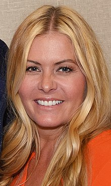 Greg and Nicole Eggert at the Chiller Theatre Expo 2017 (cropped).jpg