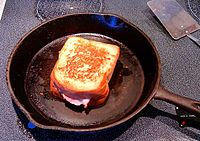 Grilled ham and cheese 014.JPG