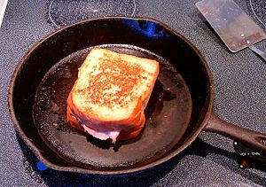 Ham and cheese sandwich - Image: Grilled ham and cheese 014
