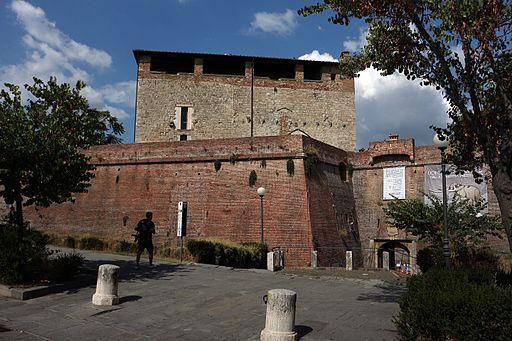 Il Cassero Senese. L'entrata col ponte levatoio