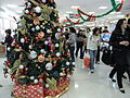 HK R10 Central 永安百貨公司 Wing On Department Store interior Xmas tree Customers.jpg