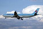 HL7524 - Korean Air Lines - Airbus A330-322 - PEK (15481416186).jpg