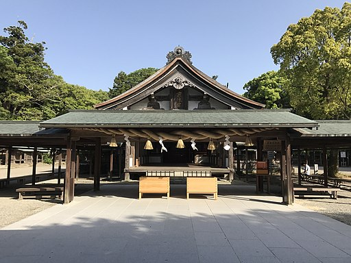 Haiden of Munakata Grand Shrine (Hetsu Shrine) 3