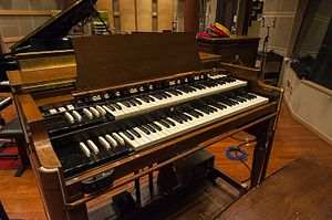 It's All Too Much - Image: Hammond B3 Organ at Recording Studios