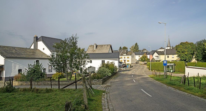 Wayside chapel on the main road in Deiffelt