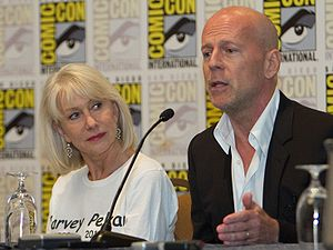 Red (2010 film) - Mirren and Willis at a panel for the film at San Diego Comic-Con in July 2010