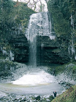 Henrhyd Falls icing up - geograph.org.uk - 1107507