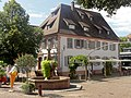 Herbolzheim, Hauptstraße und Marktbrunnen a.jpg