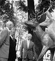 Hjorteskulpturen overrekkes OB.F06643.jpg