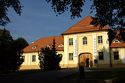 Hnězdno, arcidiecézní archiv a muzeum