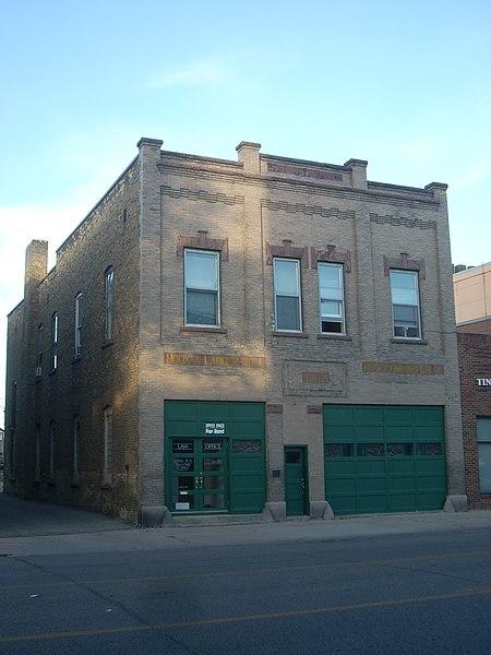 File:Hook & Ladder No 1 and Hose Co No 2 Grand Forks ND.jpg