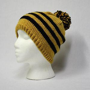 Knit cap - A bobble hat