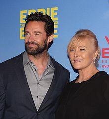 Hugh Jackman insieme alla moglie Deborra-Lee Furness alla prima di Eddie the Eagle - Il coraggio della follia (2016)