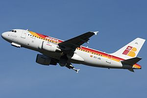 Iberia Airbus A319-111 EC-JDL.jpg