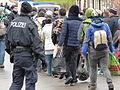 Immigranten beim Grenzübergang Wegscheid (22494906253).jpg