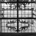 Interieur, gedeelte van gebrandschilderd raam - Bloemendaal - 20400098 - RCE.jpg