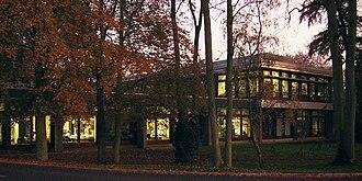 Institute of Astronomy, Cambridge - Institute of Astronomy Hoyle Building in the evening