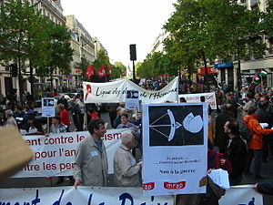 English: Protest against the war in Iraq in France