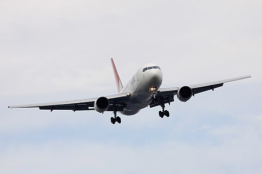 JAL B767-200(JA8233) (4080785196)