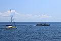 Jach i statek na Morzu Czarnym w Jałcie.JPG
