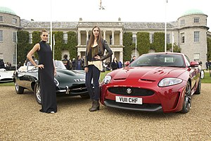 Yasmin Le Bon - Image: Jaguar E Type & XKR S Goodwood Festival of Speed (5871734077)