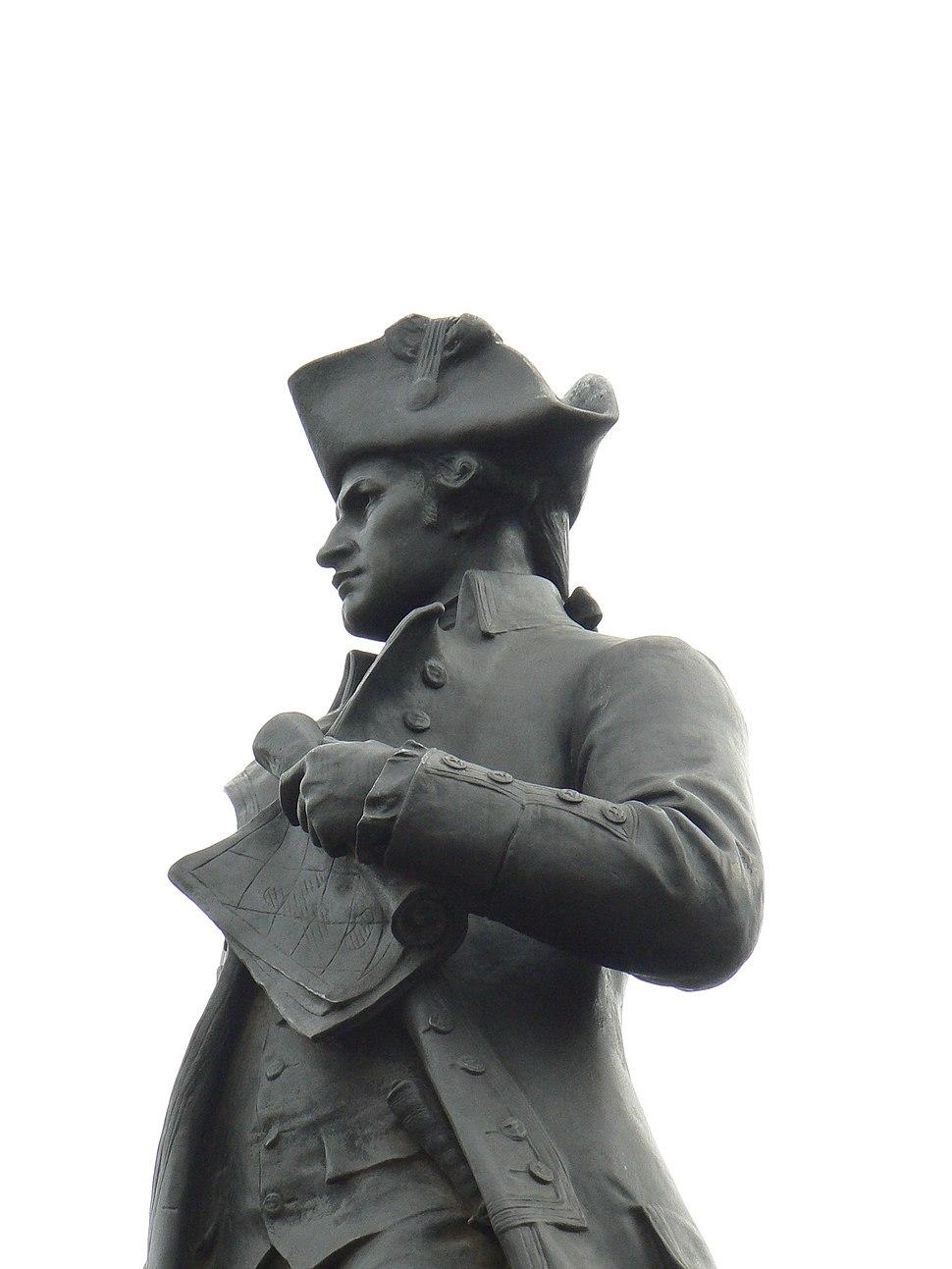James Cook statue closeup 574