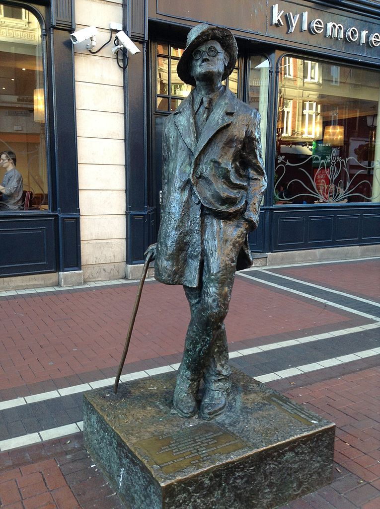 James Joyce Statue in Dublin. Source: Wikimedia Commons