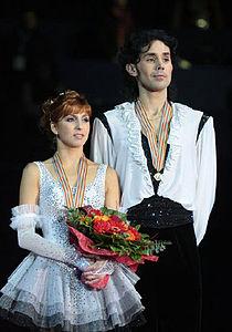 Jana KHOKHLOVA Sergei NOVITSKI EC2009 podium.jpg