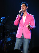 Jason Crabb in 2013 (10354340755).jpg