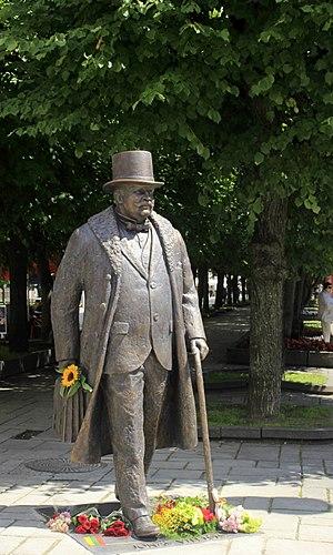 Jonas Vileišis - Statue of Jonas Vileišis in Liberty Avenue, Kaunas.
