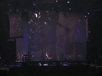 "Señorita (Justin Timberlake song) - Justin Timberlake on a piano while singing ""Señorita"" during his 2007 FutureSex/LoveShow concert tour"