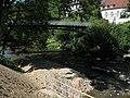 Künstlich zugefügtes Geschiebe in der Dreisam am Mariensteg in Freiburg.jpg
