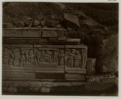 KITLV 28261 - Isidore van Kinsbergen - Relief on the east side of Panataran, Kediri - 1867-02-1867-06.tif