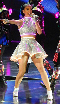 Katy Perry at the Prudential Center (cropped).jpg