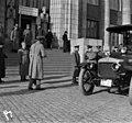 Kenraalikuvernööri Seyn rautatieasemalla saapuessaan Pietarista Helsinkiin - N2141 (hkm.HKMS000005-000001ga).jpg