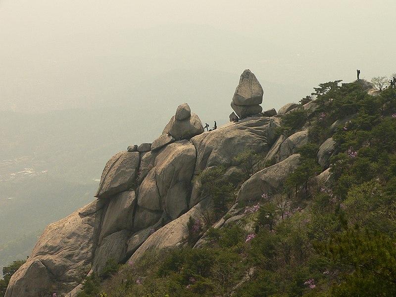 Berkas:Korea-Bukhansan-03.jpg