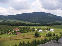 Kozakov pohled z klokocskeho pruchodu.jpg
