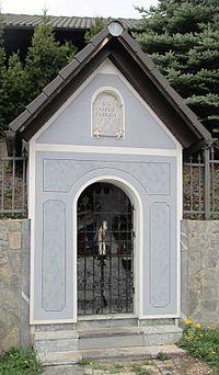 Križevec Slovenia - closed chapel-shrine.JPG