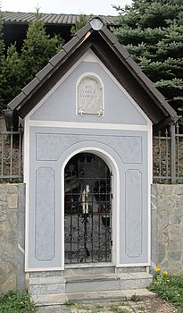Križevec Slovenia - closed chapel-shrine.JPG