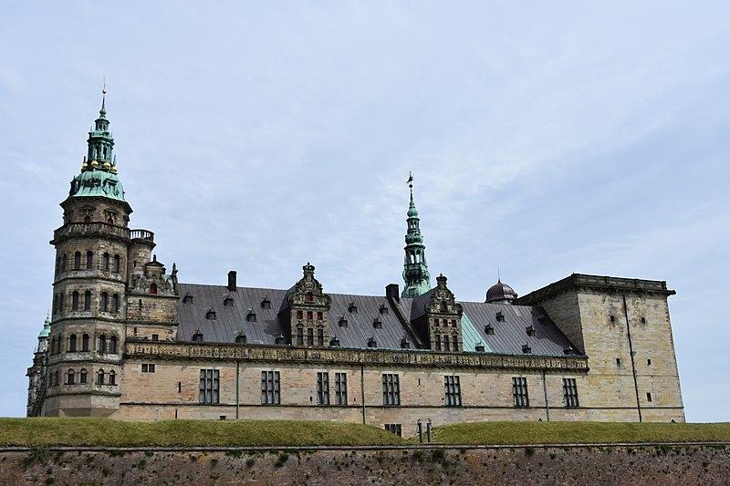 File:Kronborg Castle, 1574-85 (2) (36001817610).jpg