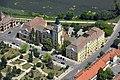 Légi felvételen a mezőtúri városháza.jpg