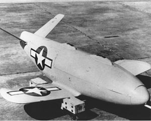 LBD-1 glide bomb at NAS Mojave 1946.jpg