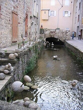 La Canourgue - Image: La Canourgue canal IMG 6235