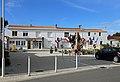 La Guérinière Place de la Mairie R01.jpg