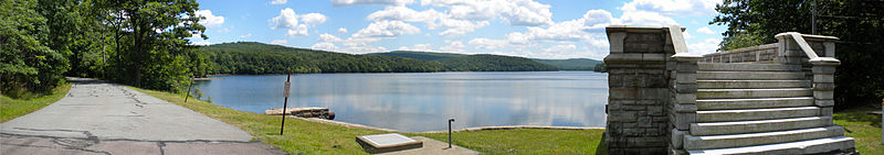 File:Lake Scranton, Pennsylvania.jpg