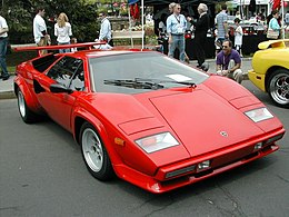Lamborghini on Lamborghini Countach   Wikipedia