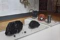Lampada carbone e casco.JPG