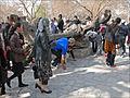 Larbre sacré du mausolée de Bakhaouddin Nakhchbandi (Boukhara, Ouzbékistan) (5698393373).jpg